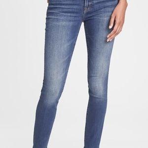 Gap Stretch True Skinny jeans